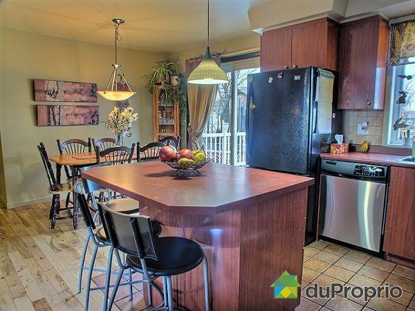 maison vendu cap de la madeleine immobilier qu bec duproprio 217468. Black Bedroom Furniture Sets. Home Design Ideas