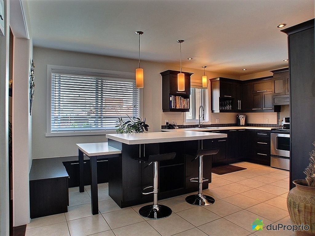 banquette a vendre quebec design kitchen. Black Bedroom Furniture Sets. Home Design Ideas