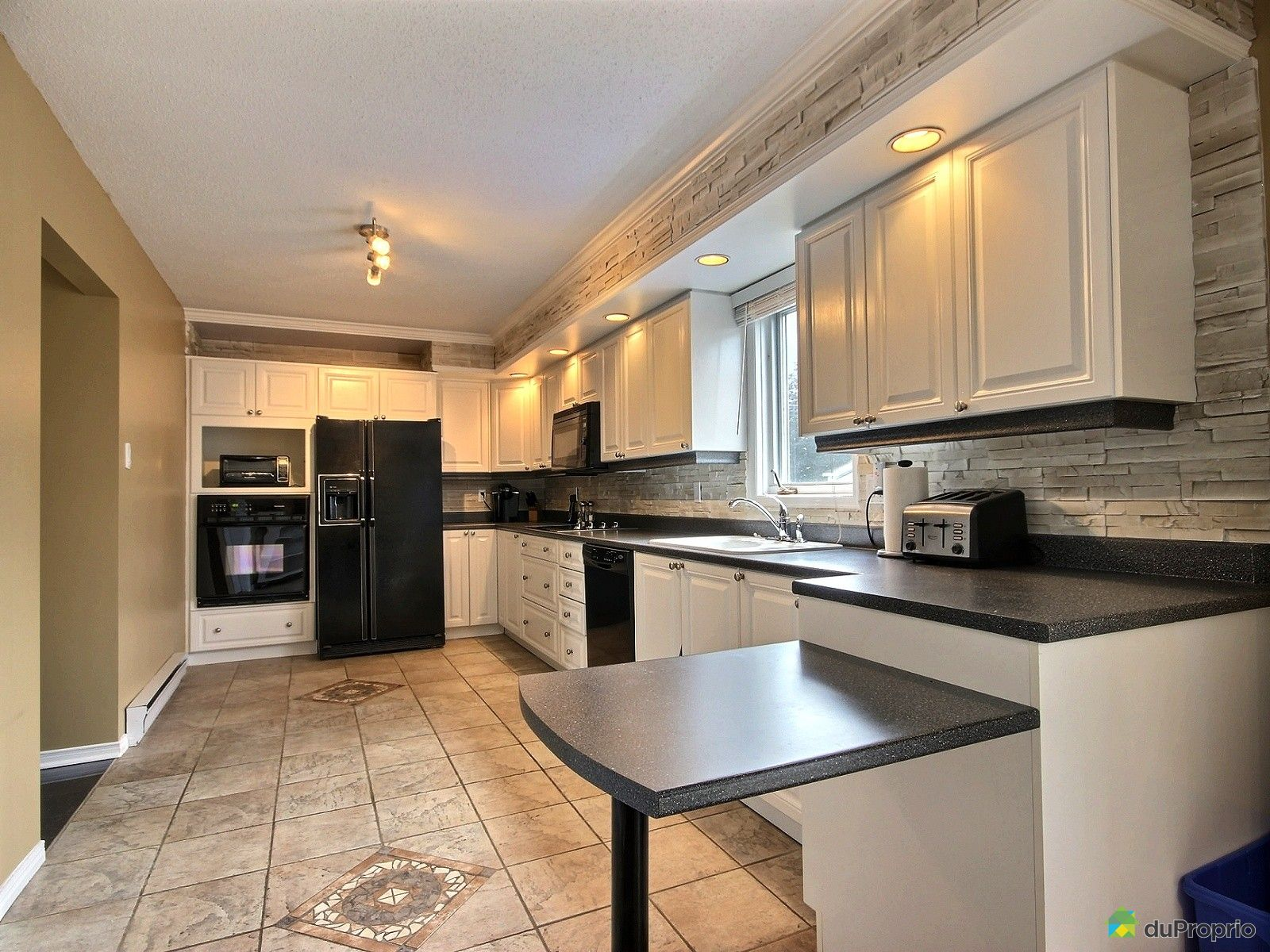 Maison vendre gatineau 132 rue de faillon immobilier for Cuisine gatineau