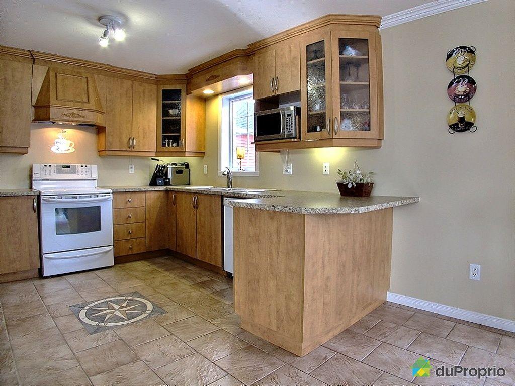Maison vendu granby immobilier qu bec duproprio 411675 for Armoire cuisine granby