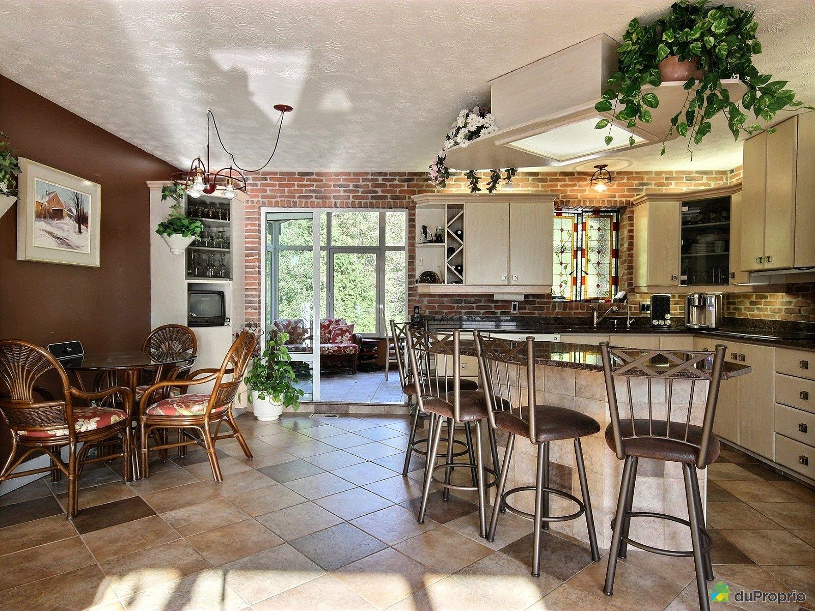 maison vendu la guadeloupe immobilier qu bec duproprio 546824. Black Bedroom Furniture Sets. Home Design Ideas