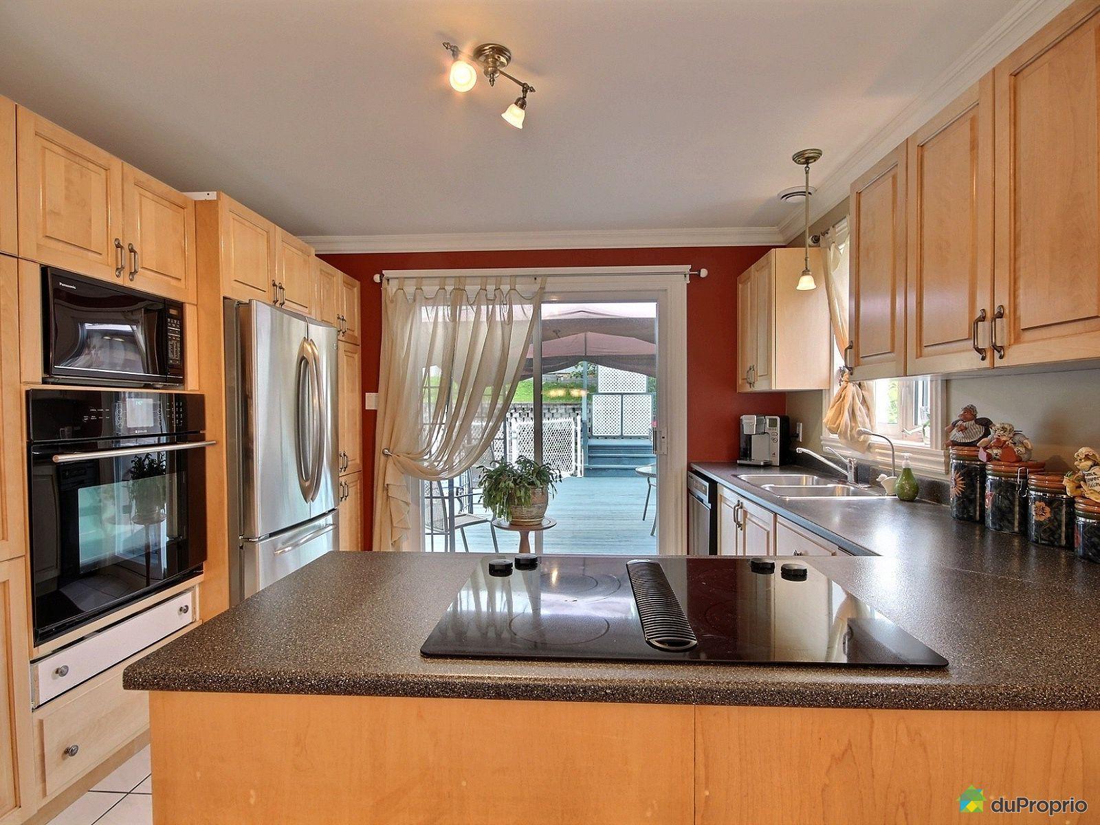 Maison vendre rimouski 209 rue de la normandie for Auberge de la vieille maison rimouski qc