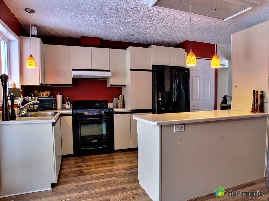 maison vendu st tienne de lauzon immobilier qu bec duproprio 304540. Black Bedroom Furniture Sets. Home Design Ideas