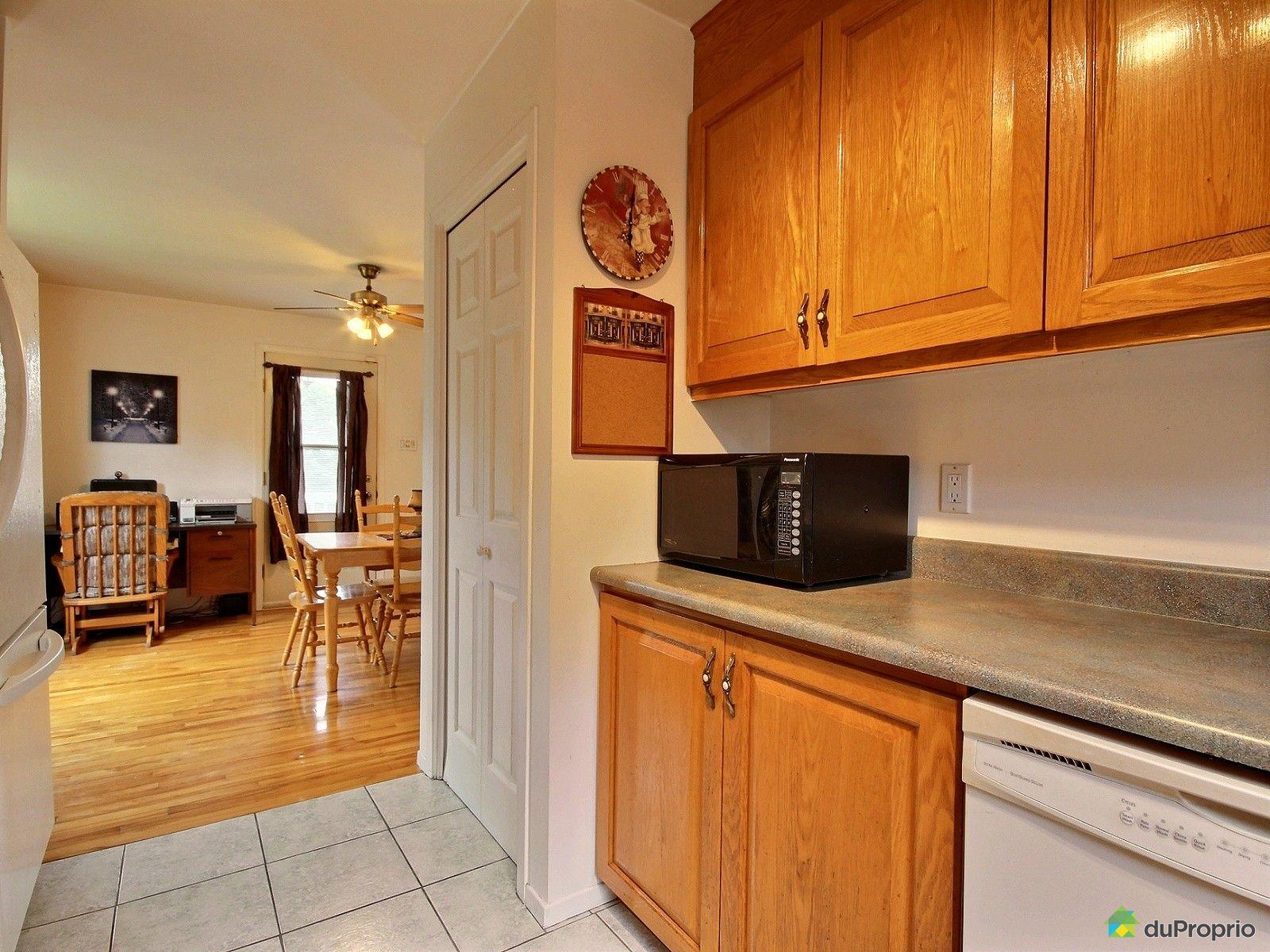 maison vendu st roch de richelieu immobilier qu bec duproprio 525747. Black Bedroom Furniture Sets. Home Design Ideas