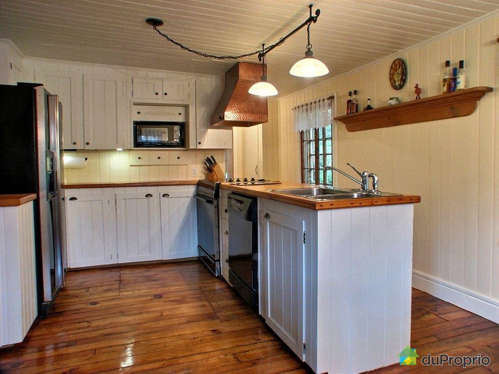 maison vendu st roch de richelieu immobilier qu bec duproprio 367944. Black Bedroom Furniture Sets. Home Design Ideas