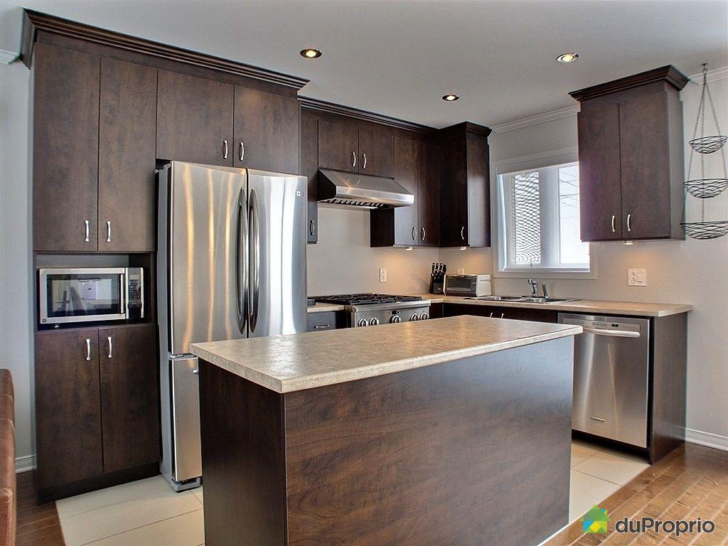armoire de cuisine en bois a vendre. Black Bedroom Furniture Sets. Home Design Ideas