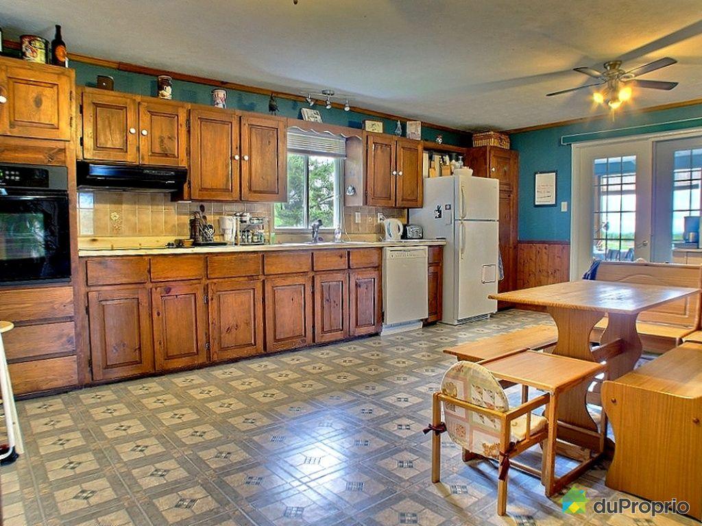 Maison vendu compton station immobilier qu bec for Cuisine maison de campagne