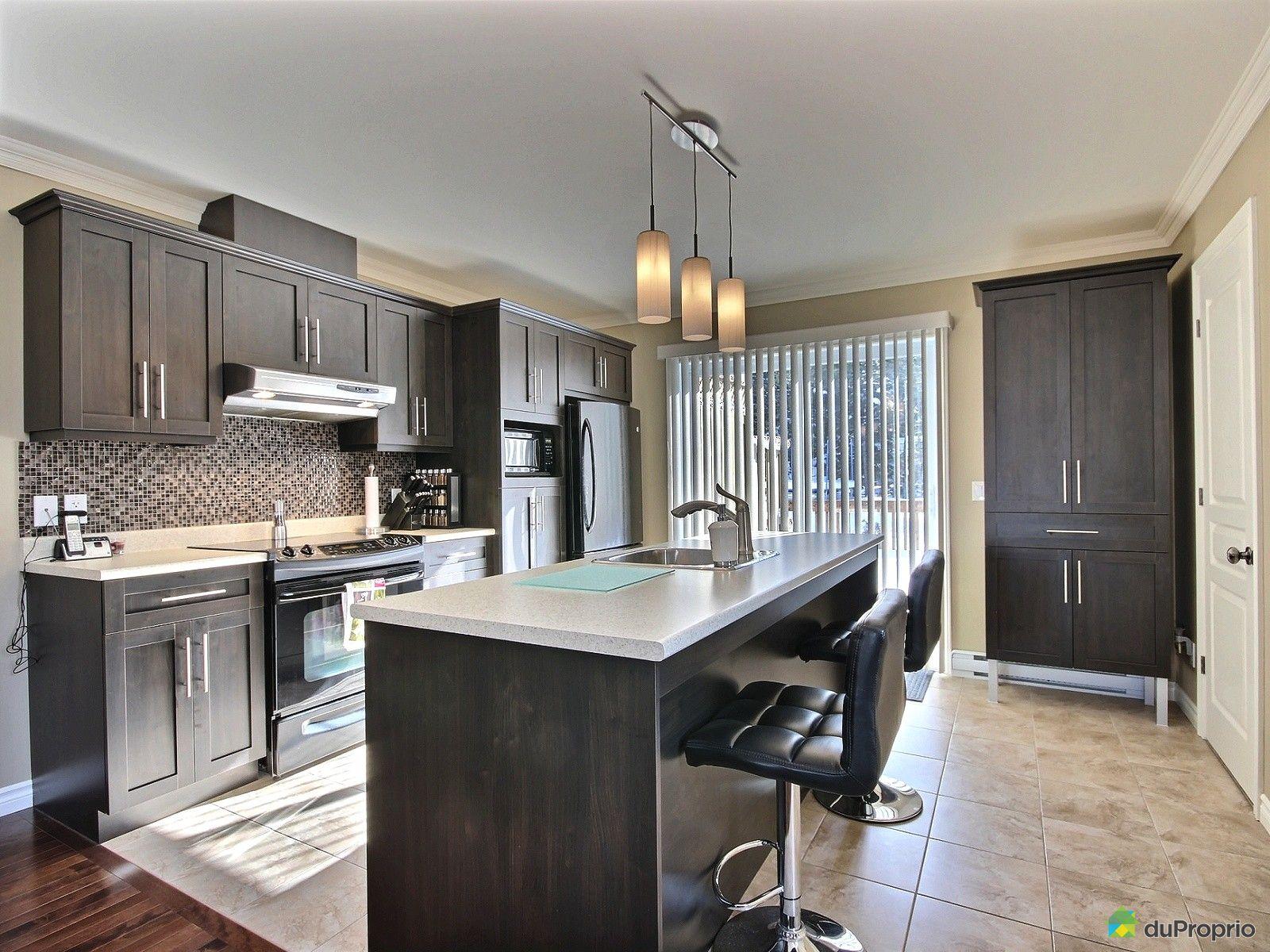 cuisine moderne dans lancien. Black Bedroom Furniture Sets. Home Design Ideas