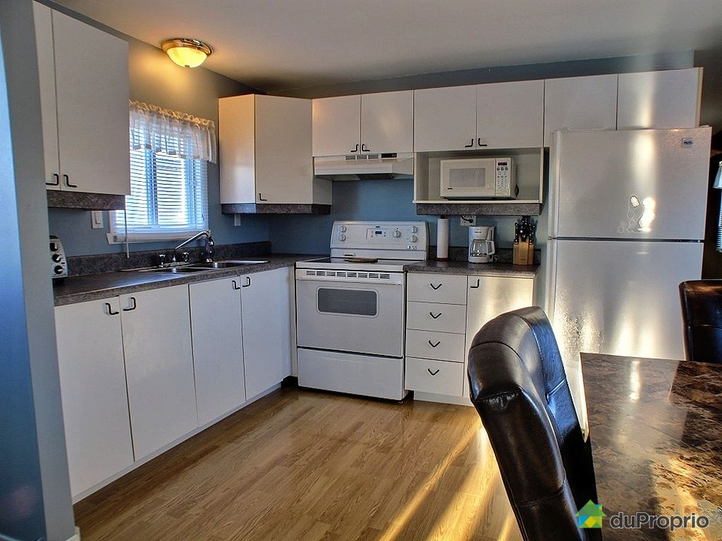 maison vendu charlesbourg 2082 rue des primeroses immobilier qu bec duproprio 383252. Black Bedroom Furniture Sets. Home Design Ideas