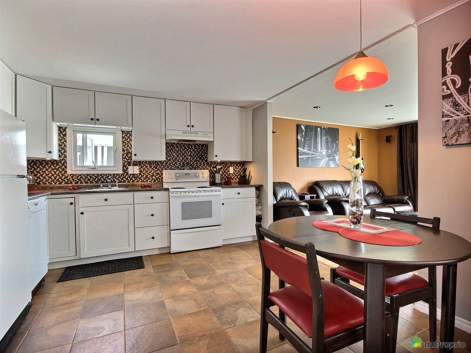 maison vendu ch teau richer immobilier qu bec duproprio 533908. Black Bedroom Furniture Sets. Home Design Ideas