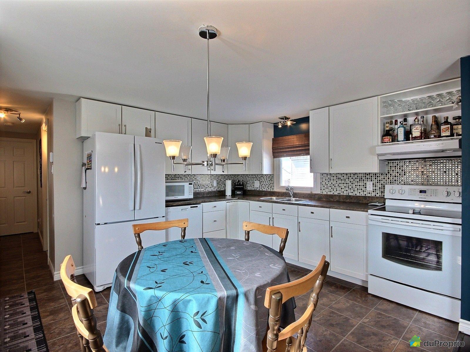 maison vendu ch teau richer immobilier qu bec duproprio 592165. Black Bedroom Furniture Sets. Home Design Ideas