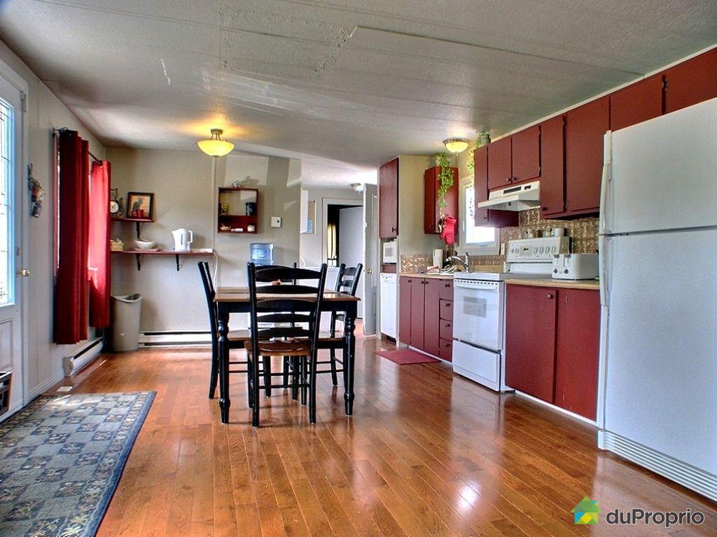 maison vendu granby immobilier qu bec duproprio 343709. Black Bedroom Furniture Sets. Home Design Ideas