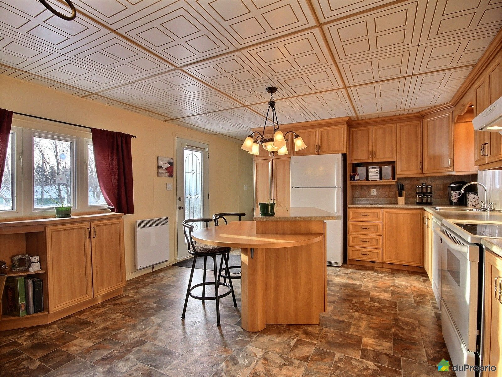maison vendu la baie immobilier qu bec duproprio 685988. Black Bedroom Furniture Sets. Home Design Ideas