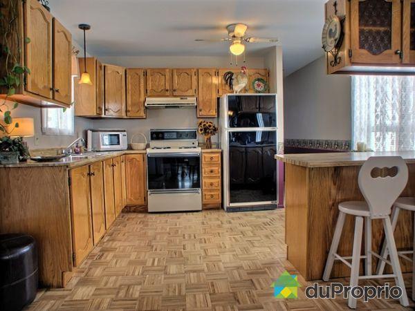 maison vendu pintendre immobilier qu bec duproprio 115482. Black Bedroom Furniture Sets. Home Design Ideas