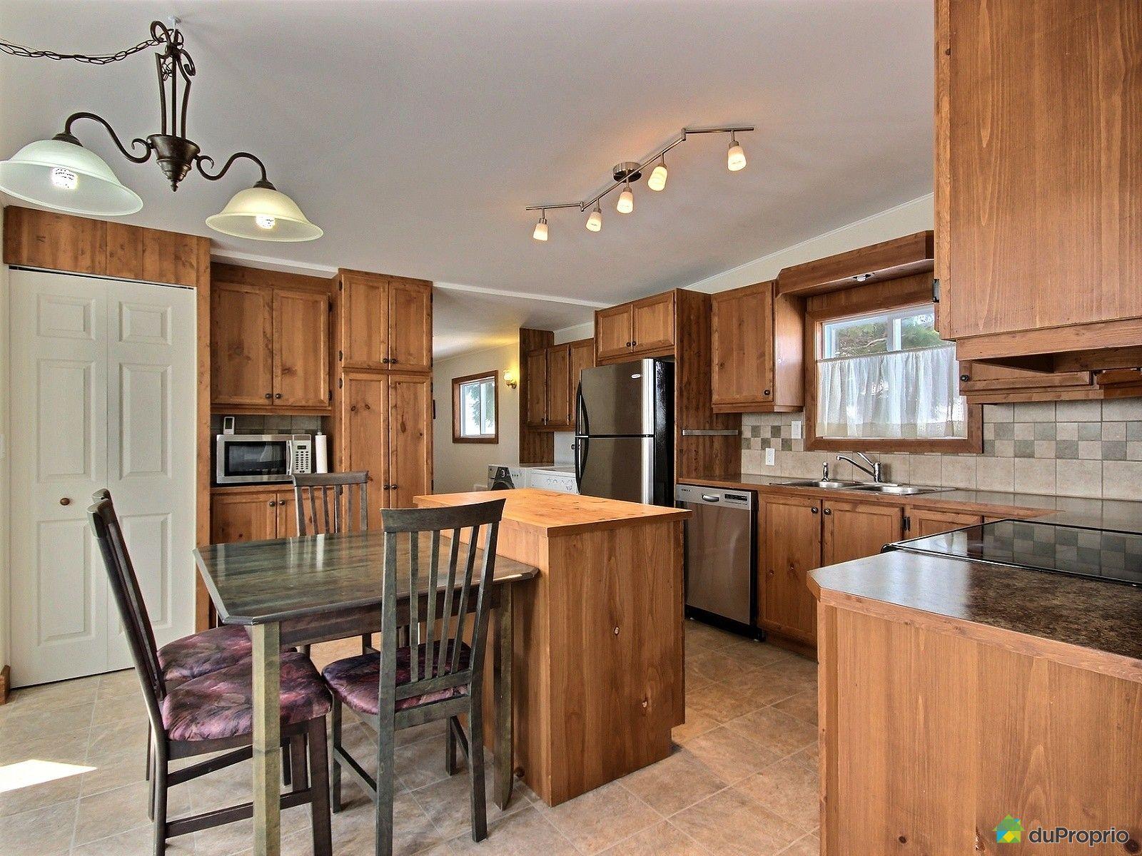 maison vendu ste foy immobilier qu bec duproprio 692636. Black Bedroom Furniture Sets. Home Design Ideas