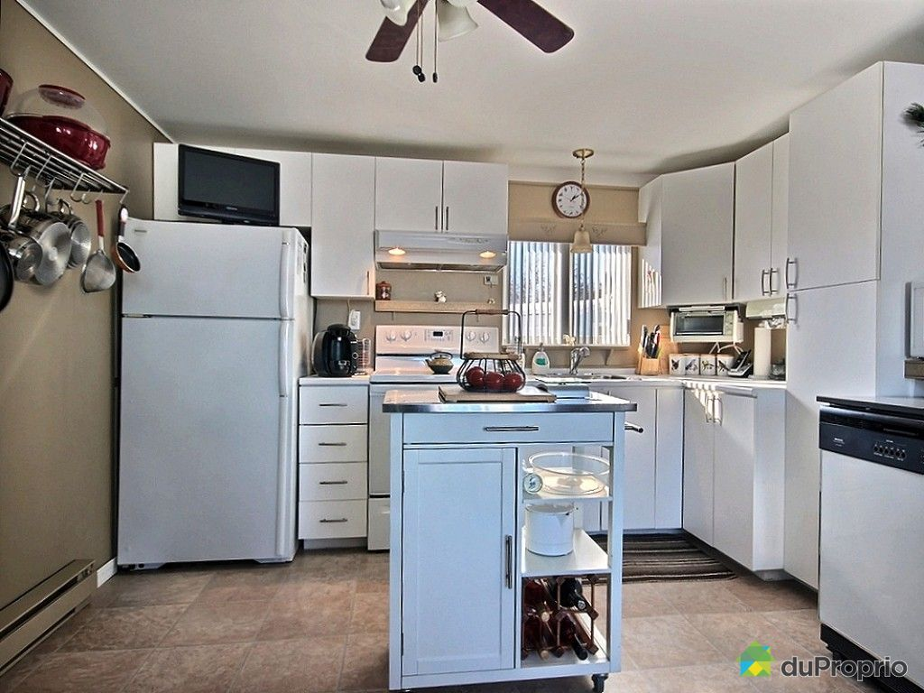 maison vendu ste jeanne d 39 arc immobilier qu bec duproprio 461074. Black Bedroom Furniture Sets. Home Design Ideas