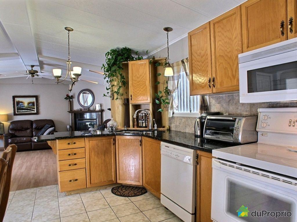 maison vendu ste marthe sur le lac immobilier qu bec duproprio 496014. Black Bedroom Furniture Sets. Home Design Ideas