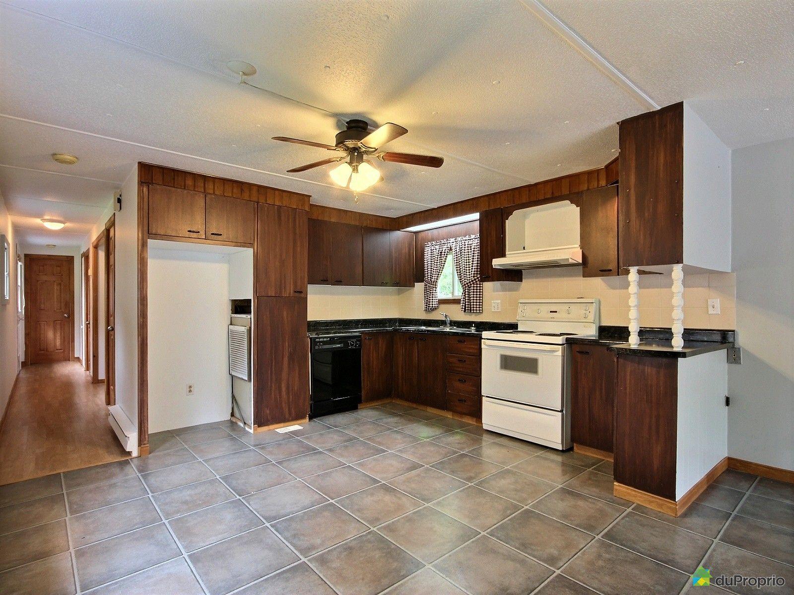 maison vendu valcourt immobilier qu bec duproprio 538202. Black Bedroom Furniture Sets. Home Design Ideas