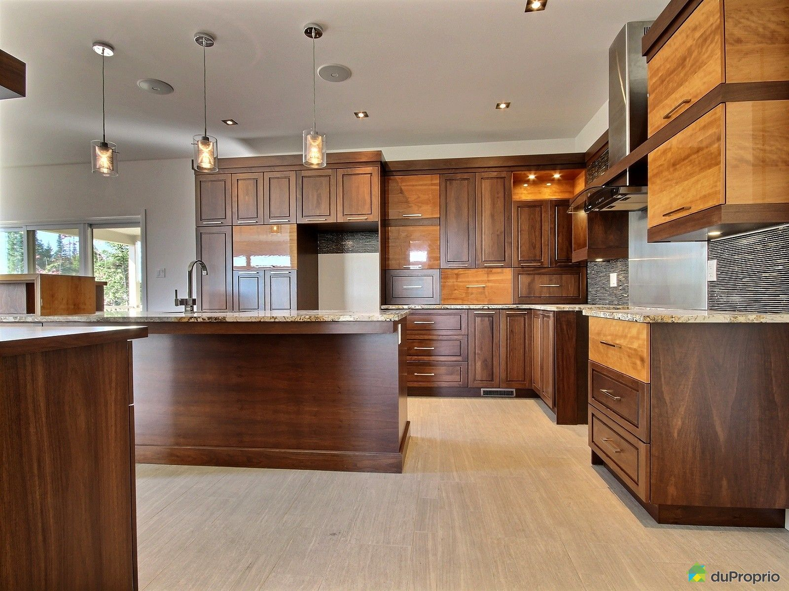 maison neuve vendre boischatel 509 rue des rochers immobilier qu bec duproprio 547702. Black Bedroom Furniture Sets. Home Design Ideas