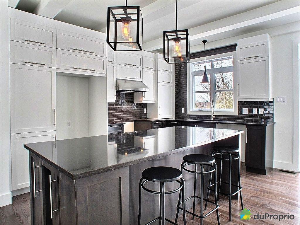 maison neuve vendu drummondville immobilier qu bec duproprio 383602. Black Bedroom Furniture Sets. Home Design Ideas