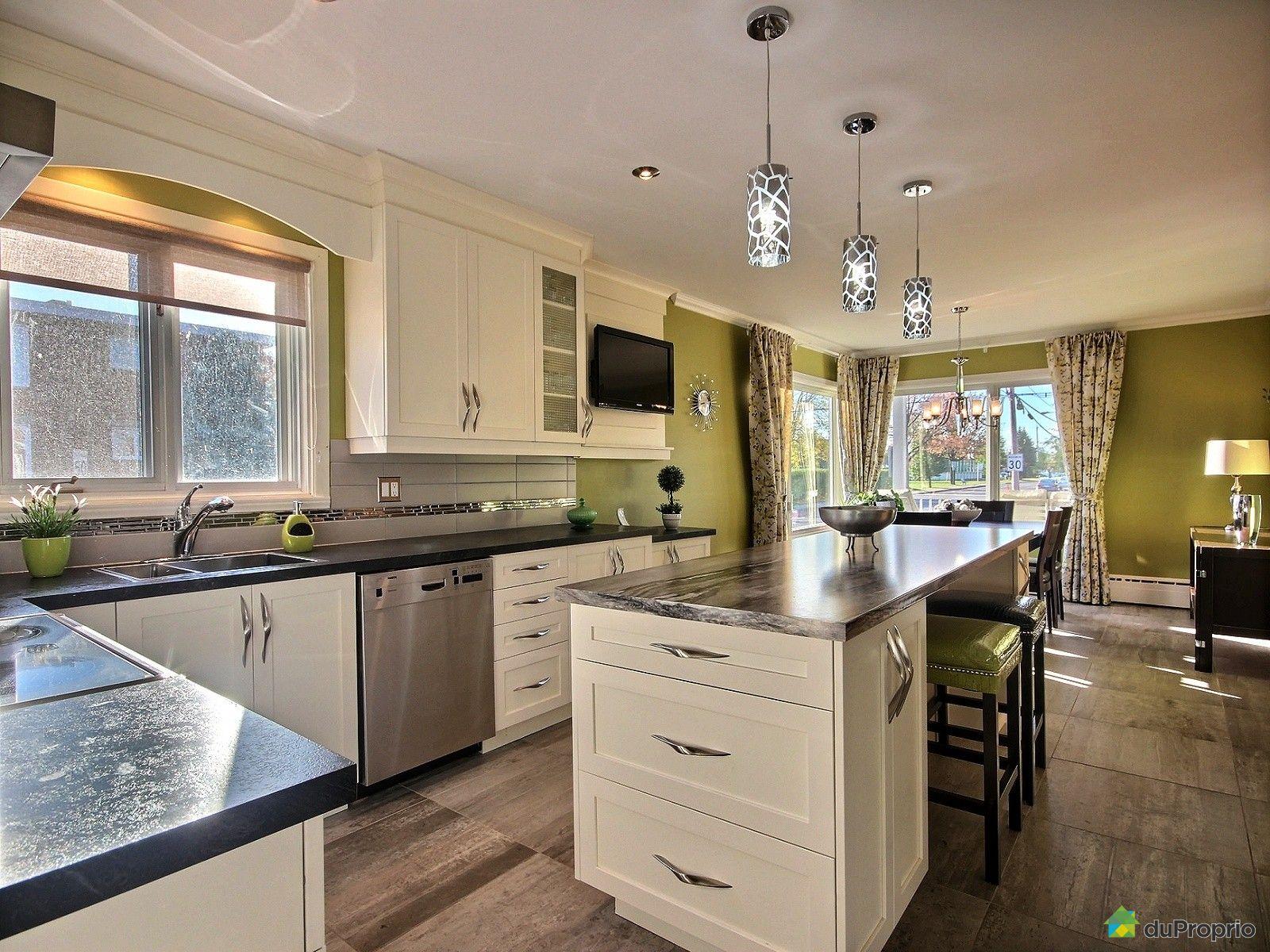 quadruplex vendu st jean sur richelieu immobilier qu bec duproprio 550545. Black Bedroom Furniture Sets. Home Design Ideas