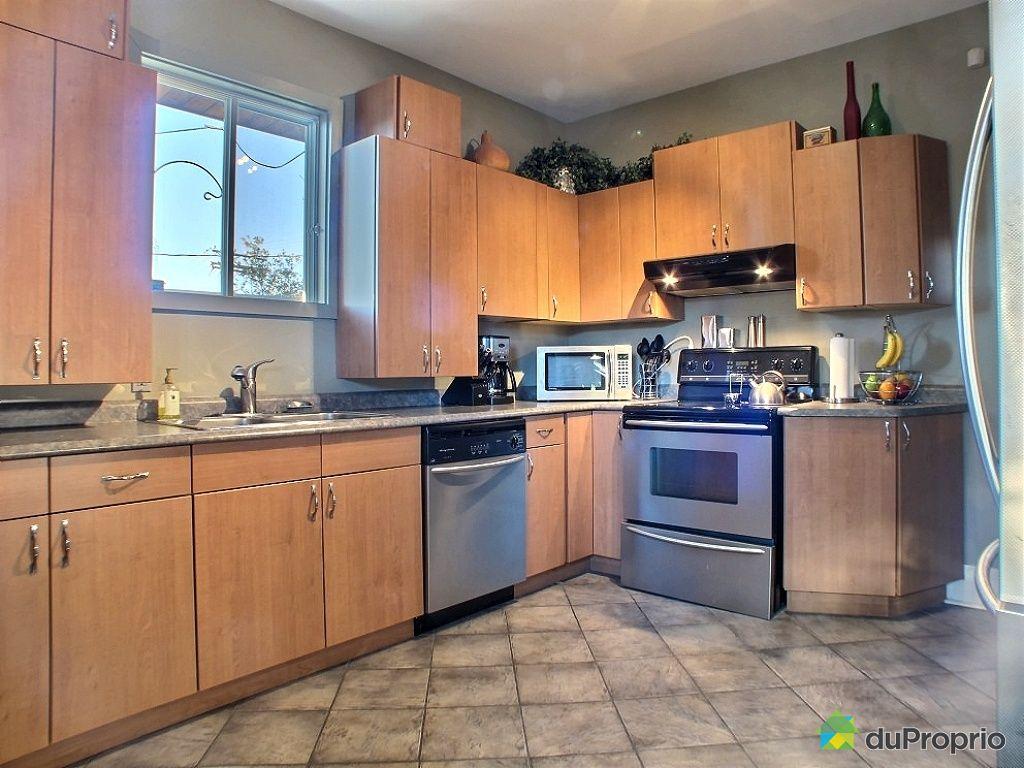 triplex vendu montr al immobilier qu bec duproprio 364376. Black Bedroom Furniture Sets. Home Design Ideas
