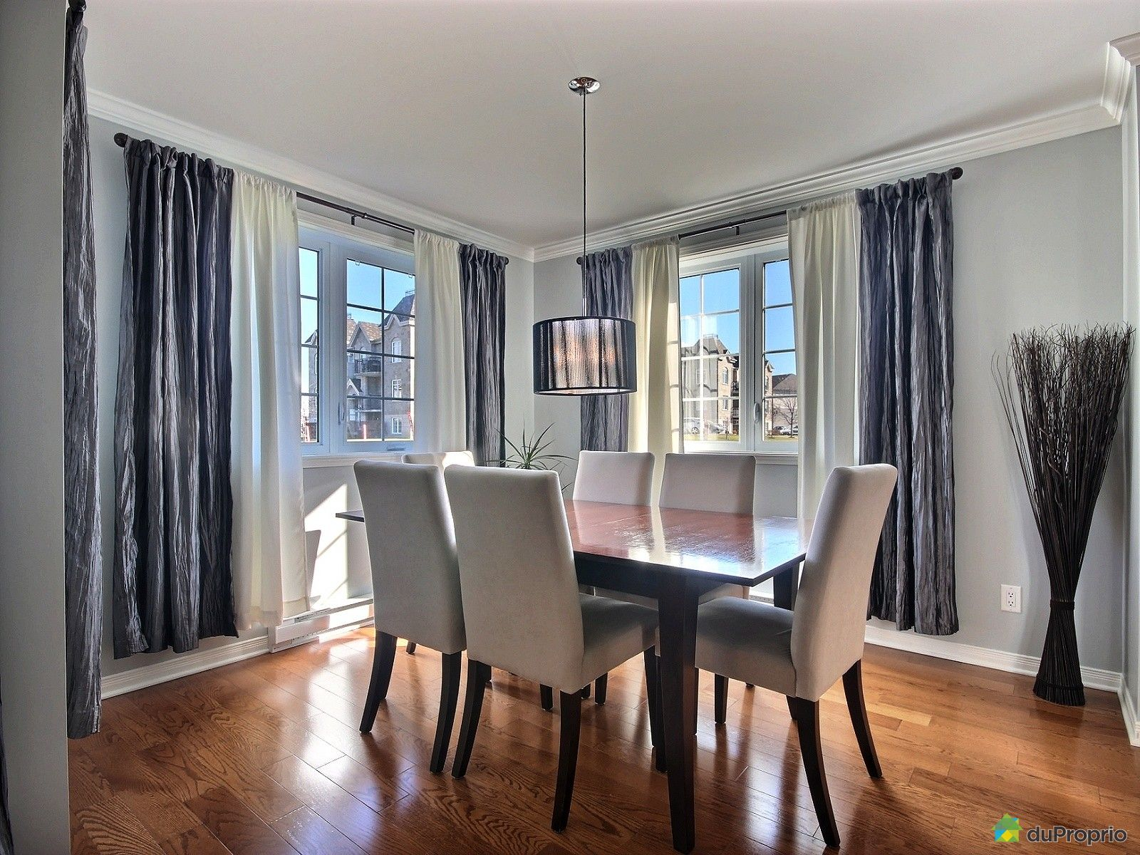 Condo for sale in st eustache 1 56 rue marie victorin for Dining room 56 willoughby street