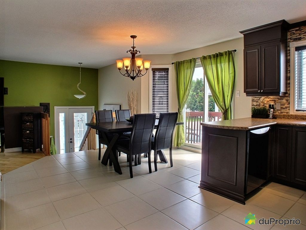 House sold in gatineau duproprio 342482 for Armoire cuisine gatineau