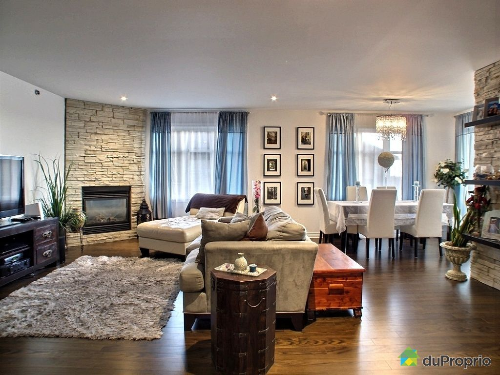 Condo sold in chomedey duproprio 474043 for Open living room dining room furniture layout