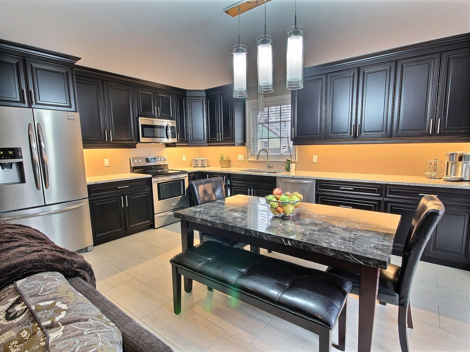 St catharines for sale comfree for Cabinex kitchen designs st catharines