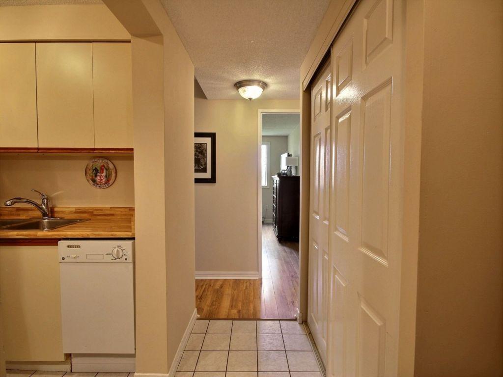 Source Flooring Victoria Street Kitchener 201 31 Victoria Street Strathroy For Sale Comfree