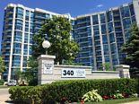 Condominium in Whitby, Toronto / York Region / Durham
