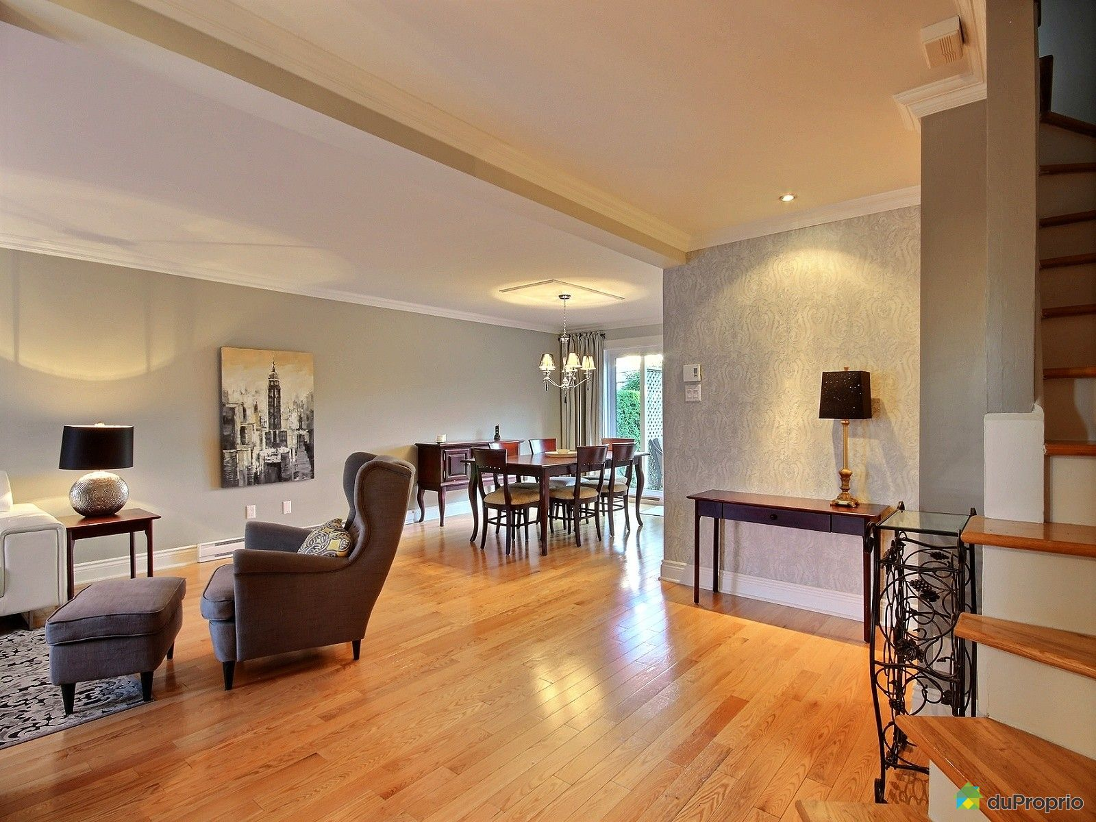 jumel vendu montr al immobilier qu bec duproprio 546890. Black Bedroom Furniture Sets. Home Design Ideas