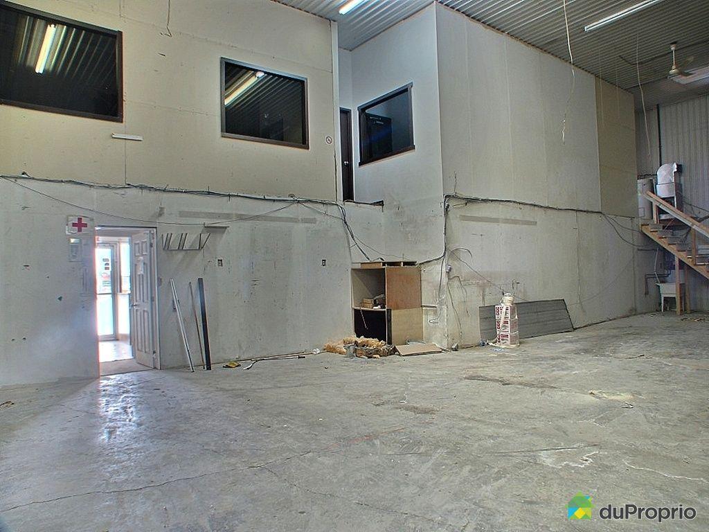 Immeuble commercial vendu gatineau immobilier qu bec for Entrepot du meuble quebec
