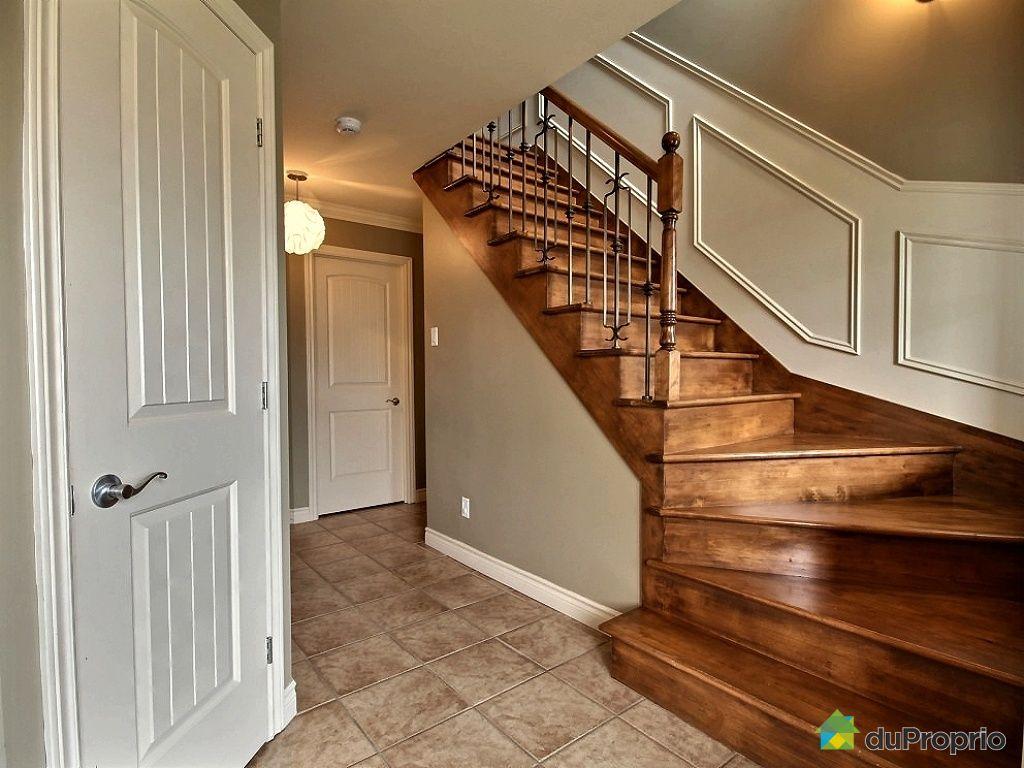 Maison vendu l 39 ancienne lorette immobilier qu bec for Escalier maison ancienne