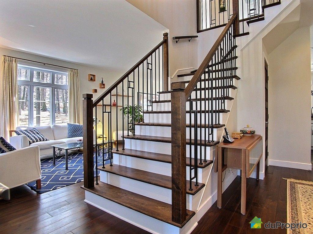 escalier central maison ventana blog. Black Bedroom Furniture Sets. Home Design Ideas