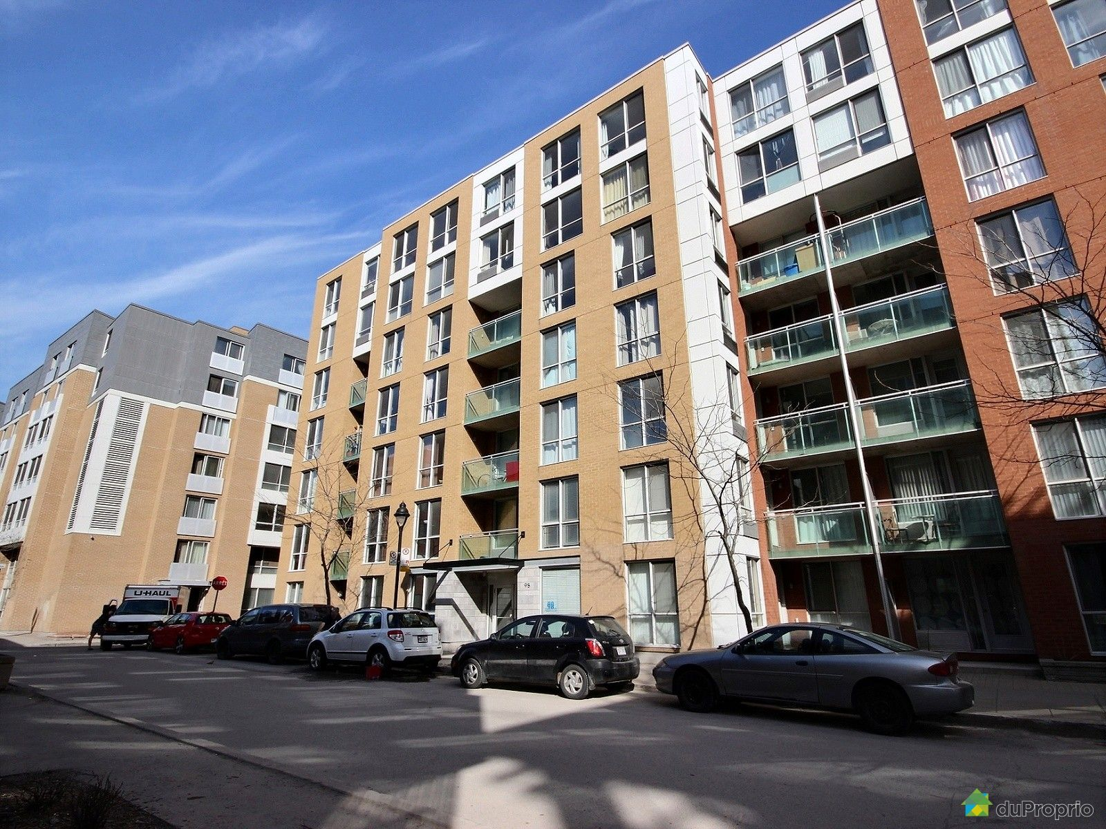 Condo vendre montr al 659 98 rue charlotte immobilier for Piscine exterieur montreal