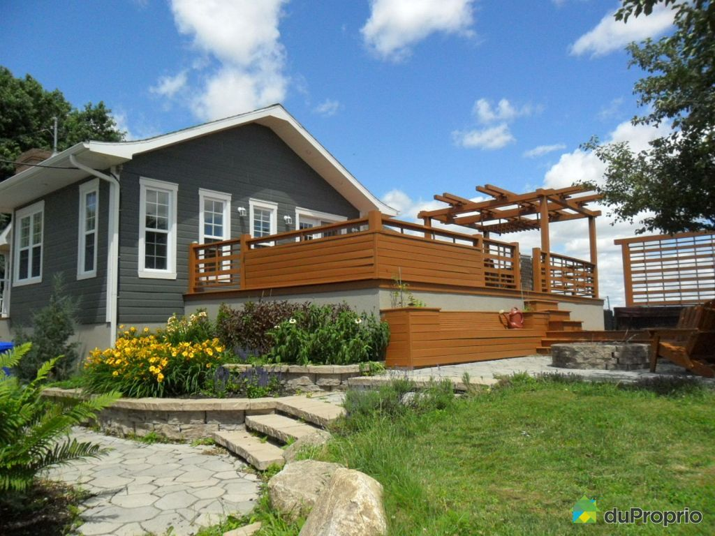 Maison vendre l 39 assomption 2246 chemin du roy for Exterieur maison campagne