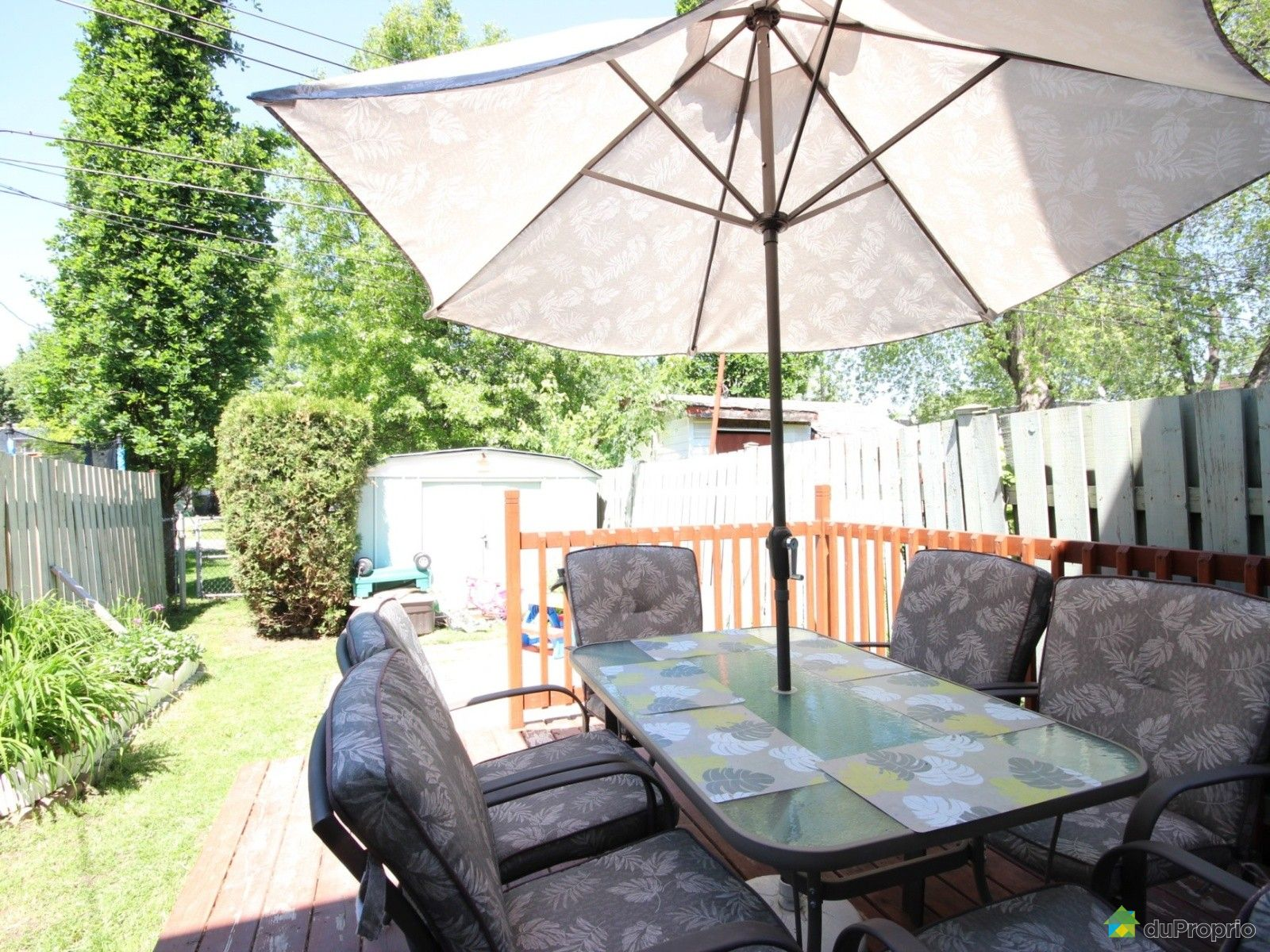 Maison vendu montr al immobilier qu bec duproprio 617150 for Piscine exterieur montreal