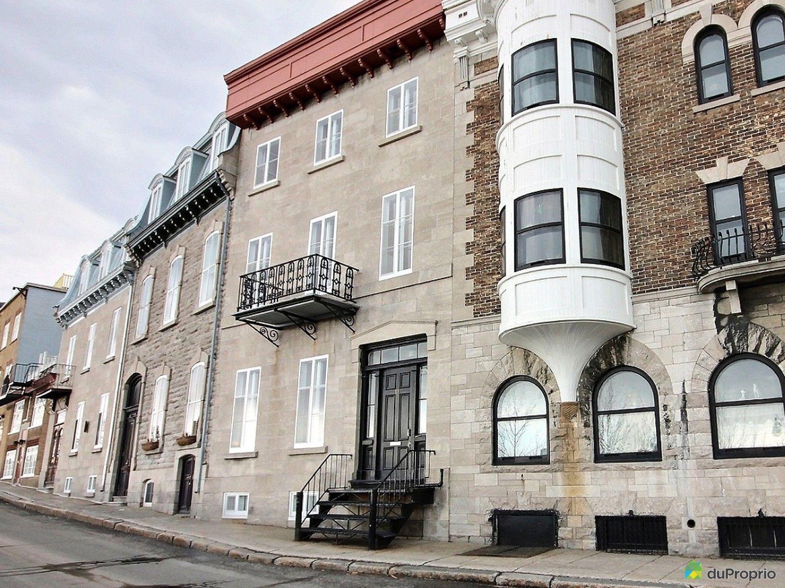 condo vendre vieux qu bec 2 11 rue des remparts immobilier qu bec duproprio 603535. Black Bedroom Furniture Sets. Home Design Ideas