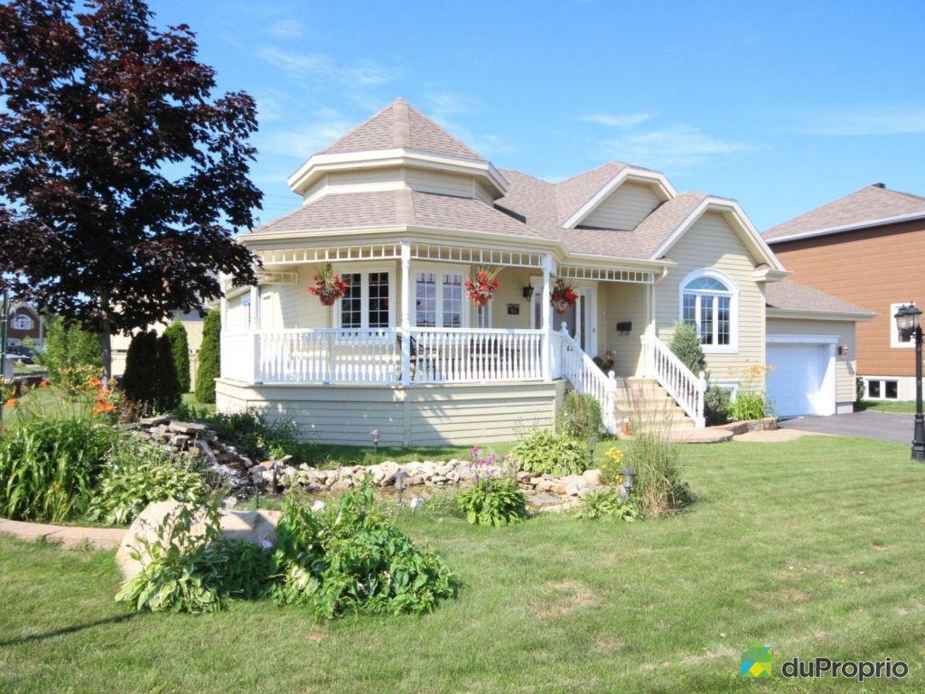 Maison vendre rimouski 54 rue de la paix immobilier for Auberge de la vieille maison rimouski qc
