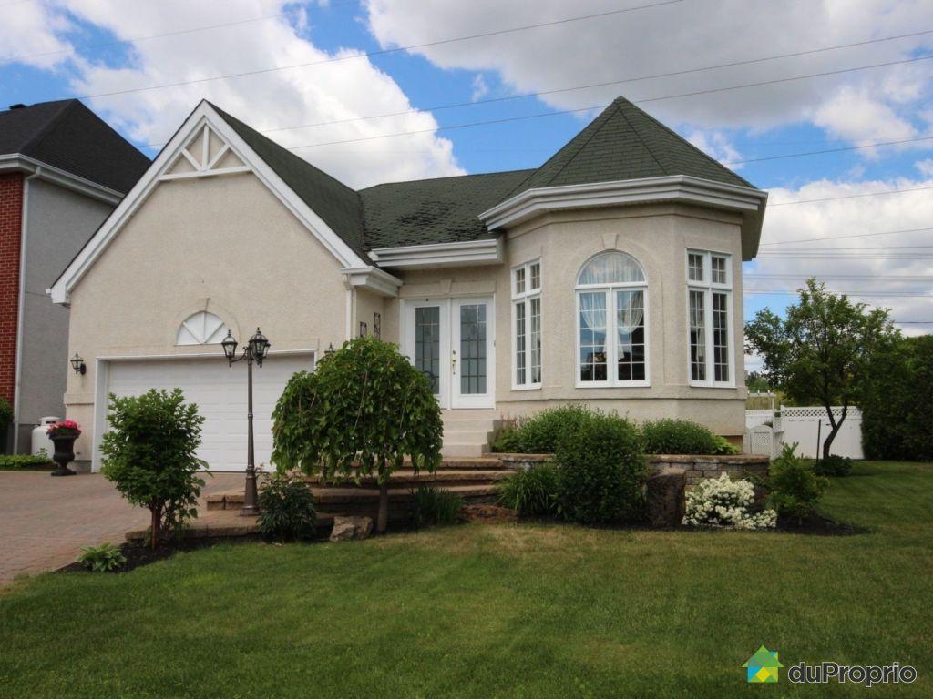 Maison vendre terrebonne 856 rue de la masawippi for Achat maison neuve terrebonne