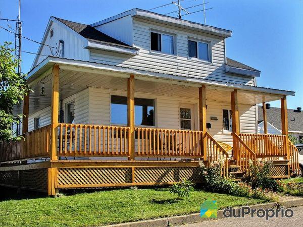 photos.duproprio.com/facade-maison-a-un-etage-et-demi-a-vendre-lac-st-charles-quebec-province-big-2246265.jpg