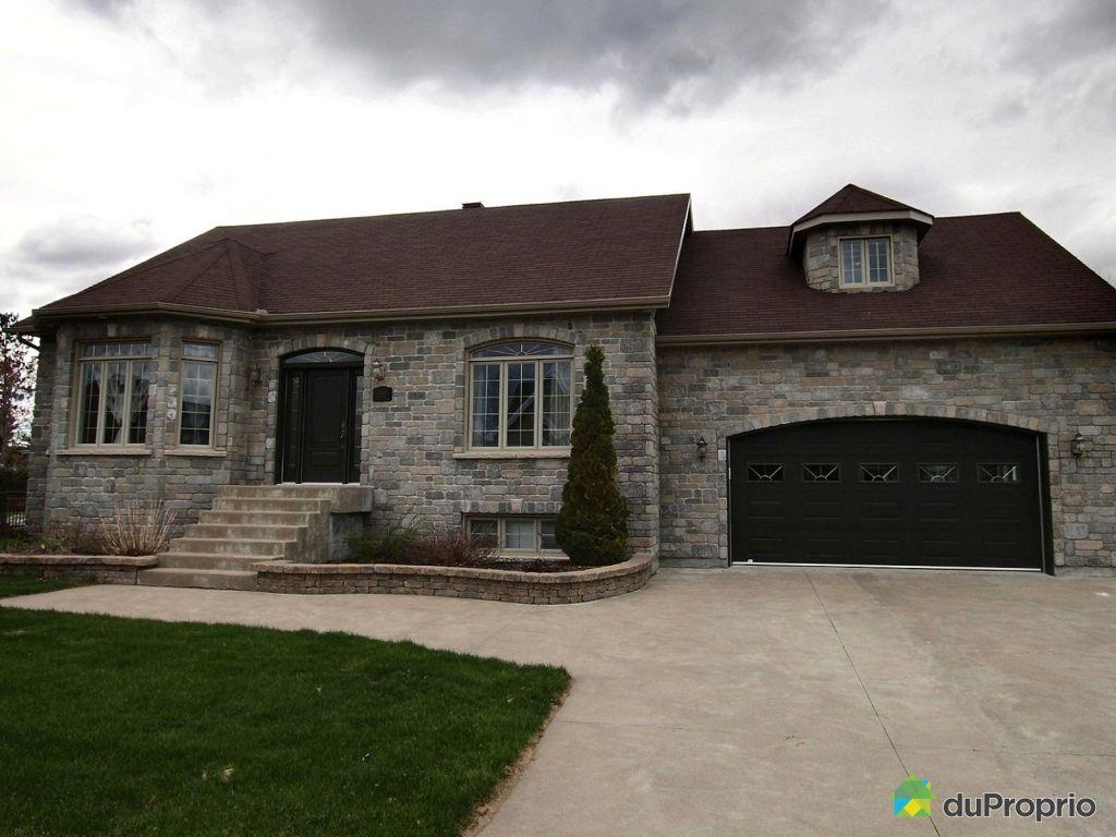 Maison a vendre trois riviere proprietes etangs a for Acheter une maison au canada montreal