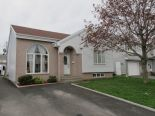 Bungalow in Fabreville, Laval via owner