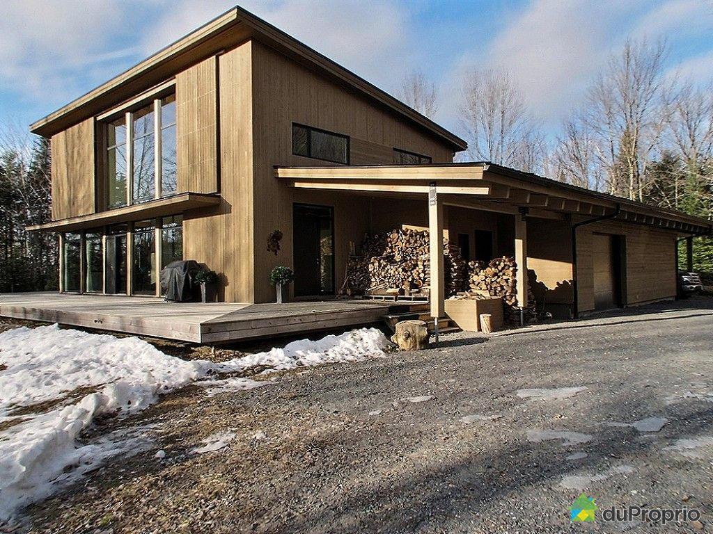 Maison vendre lac brome 29 chemin frizzle immobilier for Acheter une maison a montreal