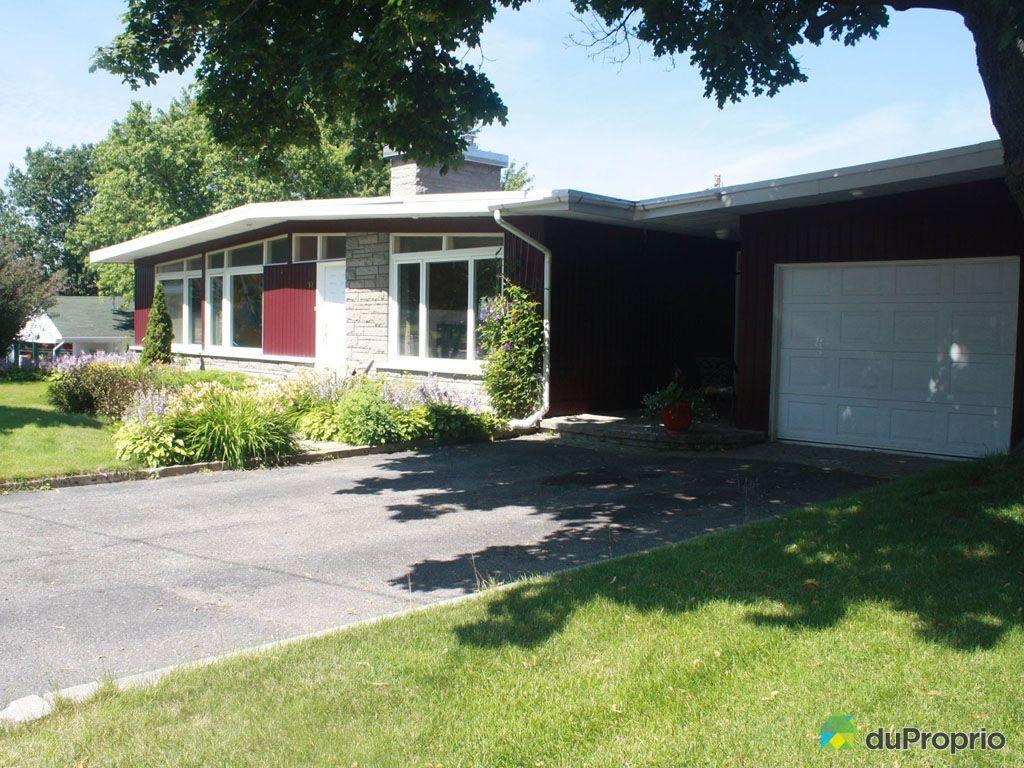 Maison vendre l vis 92 rue jacques cartier immobilier for Assurances maison desjardins