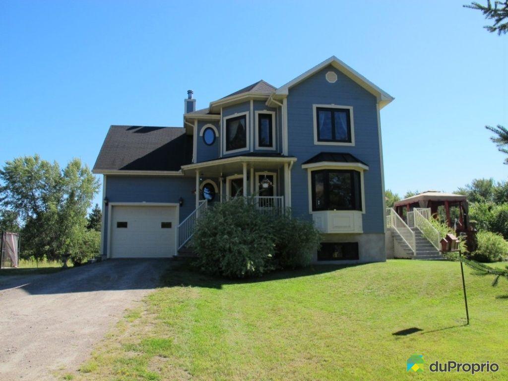 Maison vendre mont tremblant 1368 rue emond immobilier for Achat maison quebec