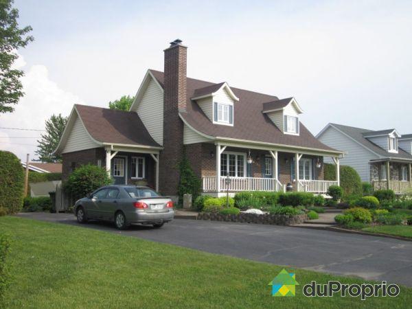 Maison vendu st cyrille de wendover immobilier qu bec for Acheter une maison au canada montreal