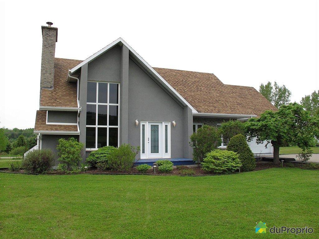 maison 2 tages vendre ste marthe sur le lac beaucoup d. Black Bedroom Furniture Sets. Home Design Ideas